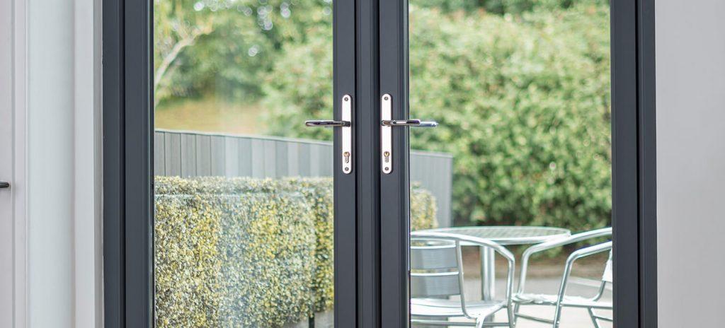 flush-door-1-1024x464